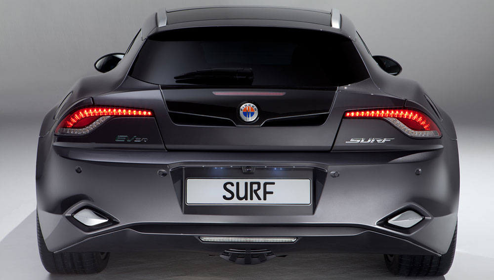 plug-in-fisker-surf-with-photovoltic-solar-panel-roof