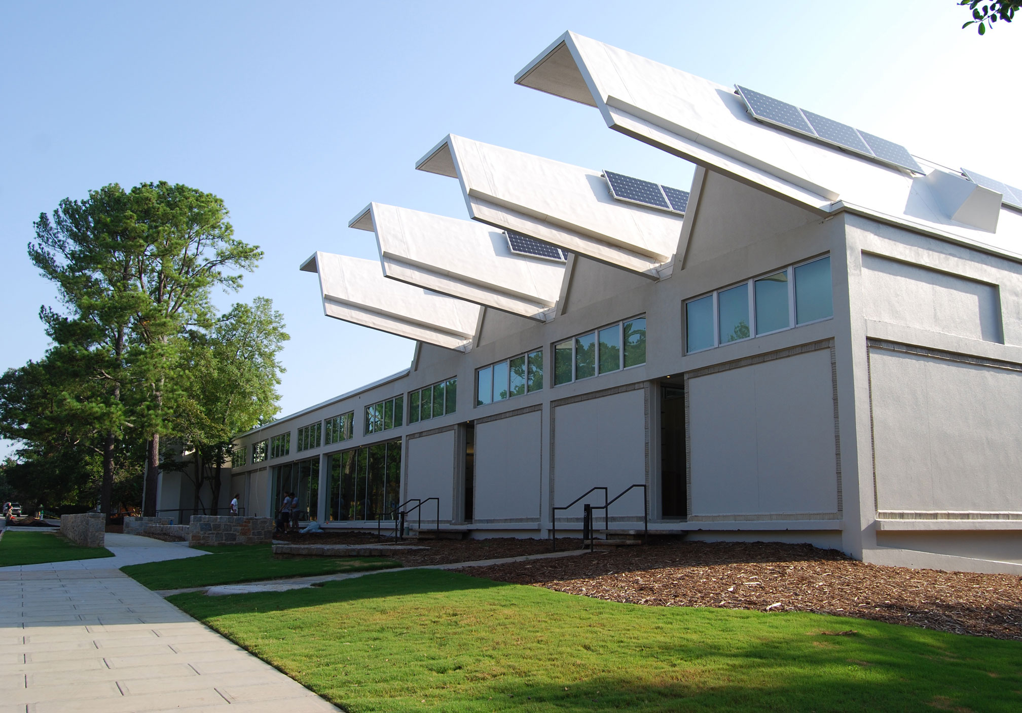 university-of-georgia-solar-powered-school-of-environmental-design