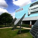 toyota-solar-panels-power-car-manufacturing-in-uk