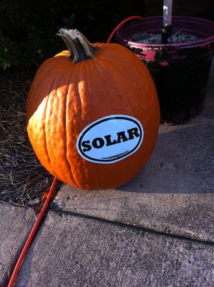 solar-pumpkin-electric-car-show
