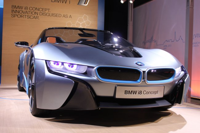 Bmw I Electric Plug In Car besides Tesla Model S D New Color Ocean Blue together with Chevy Corvette Autocross Crash besides Ford F Dl T B Bd Sync Module additionally Volkswagen Id Crozz Concept Ev D. on chevy volt